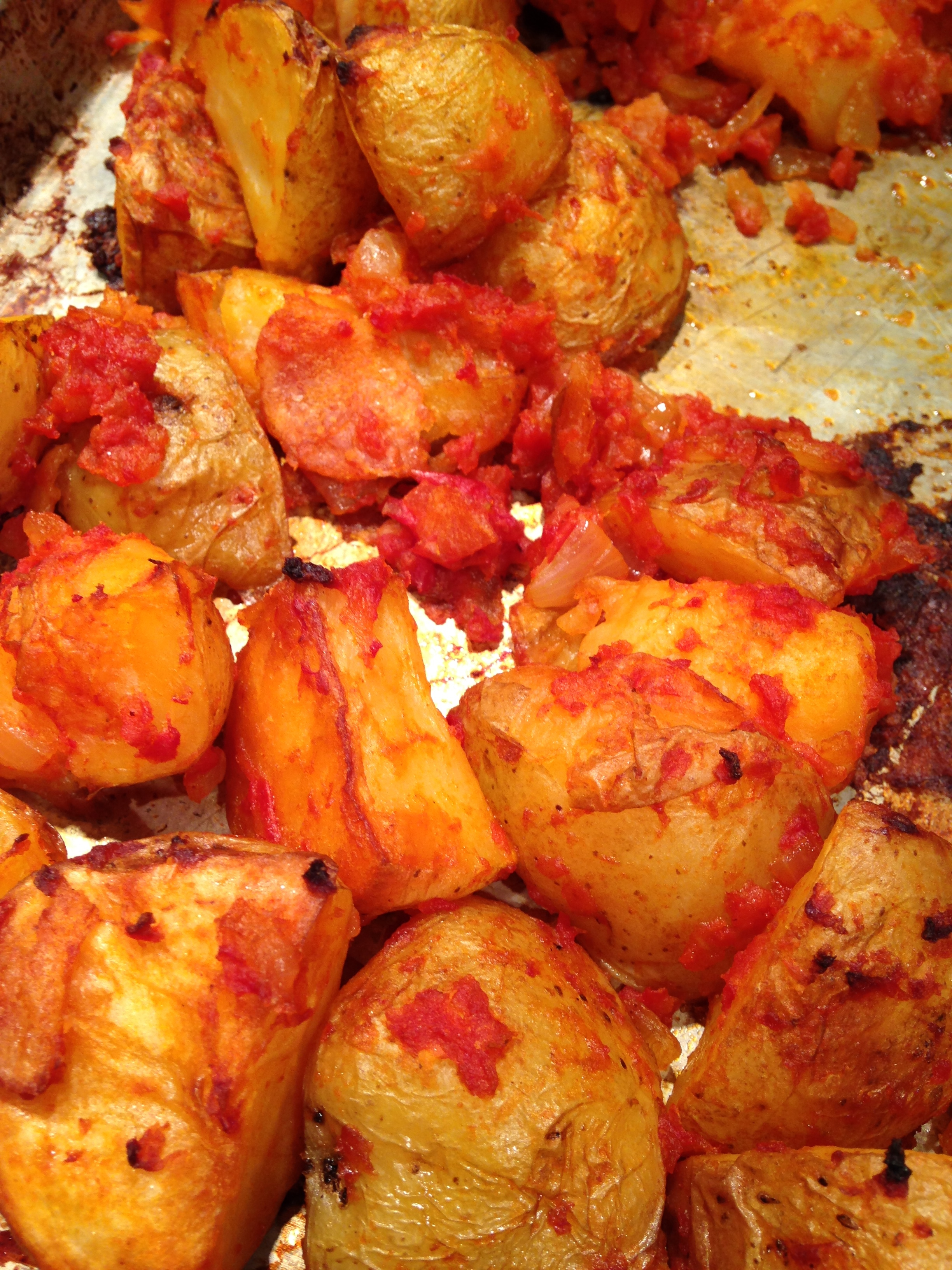 Spanish Roasted Potatoes With Tomato Sauce Blythes Blog